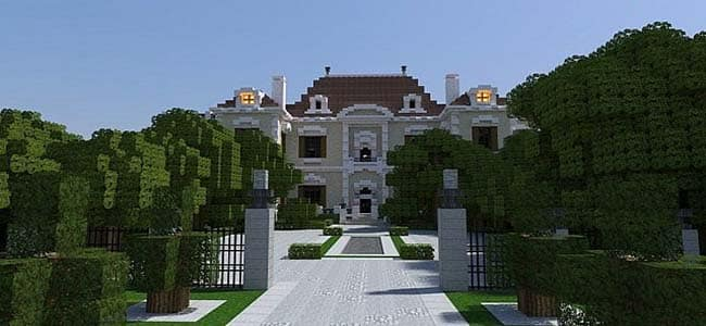 Building a Mansion in Minecraft